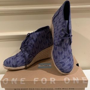 Toms Shoes - Toms Shashiko Espadrille Wedge Bootie (size 6.5)